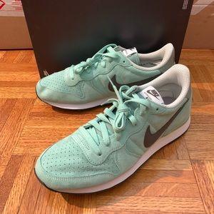 Nike Internationalist Seafoam Racer Running Shoe